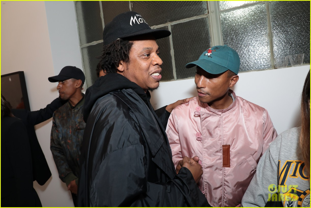 beyonce jay z couple up at dreamweavers exhibition opening celebration 114239215