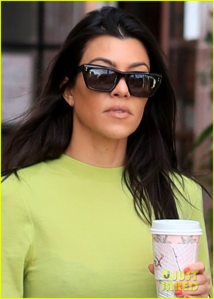 kourtney kardashian goes on coffee run in weho 02