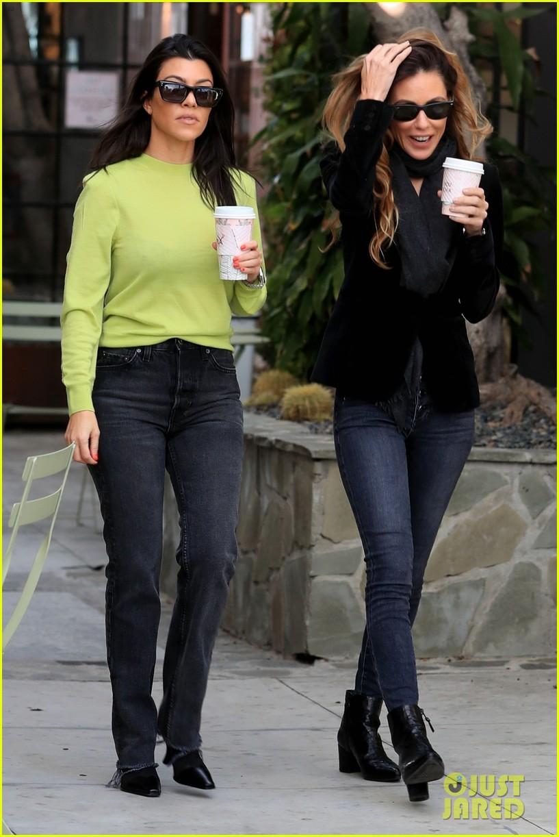 kourtney kardashian goes on coffee run in weho 05