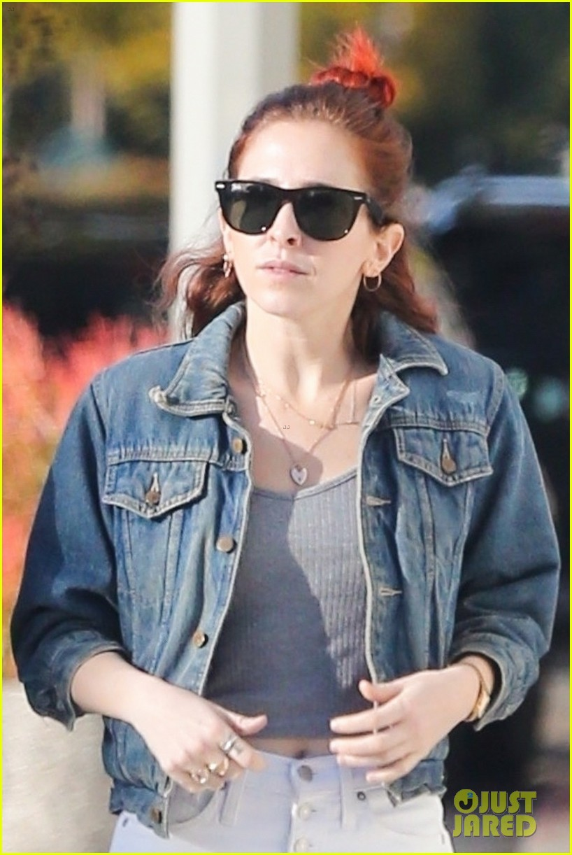 kristen stewart and sarah dinkin are a denim duo 044240122