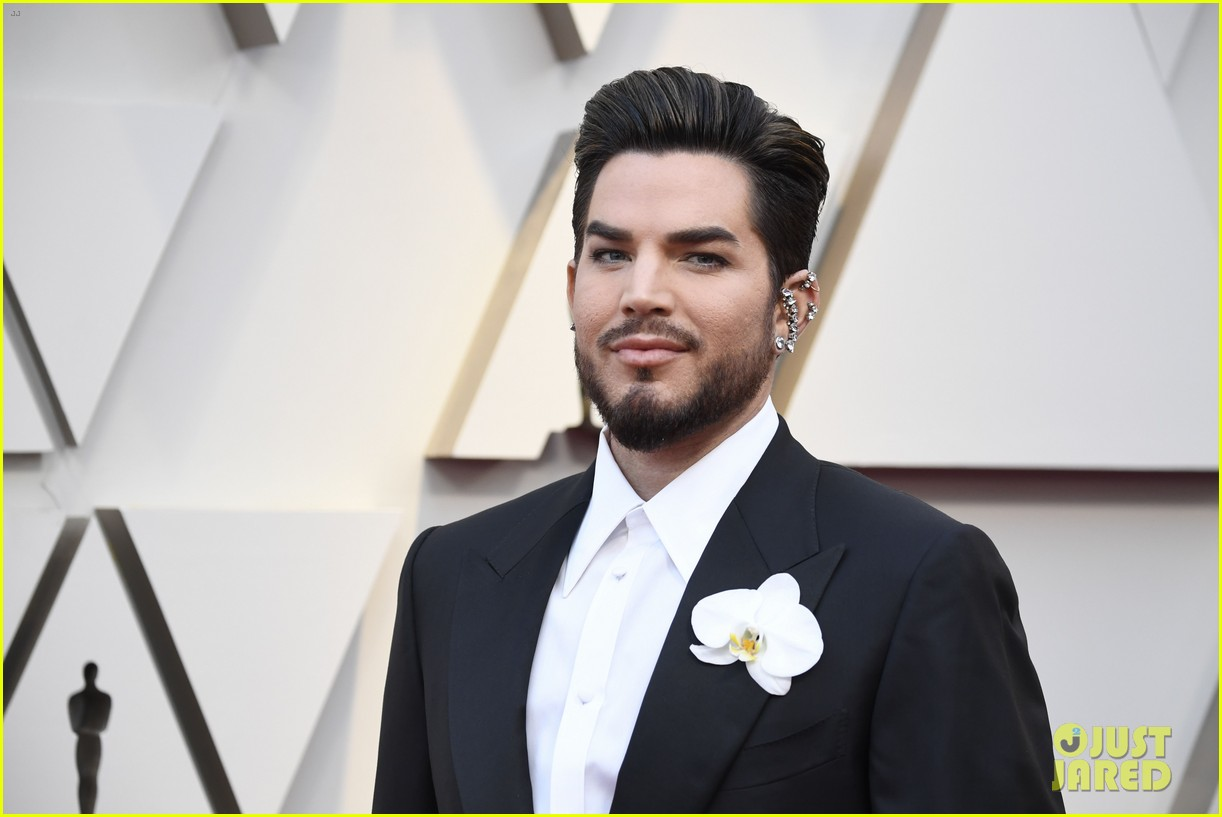 Adam Lambert Hits Oscars 2019 Red Carpet Before Performance With Queen Photo 4244888 2019 Oscars Adam Lambert Oscars Pictures Just Jared