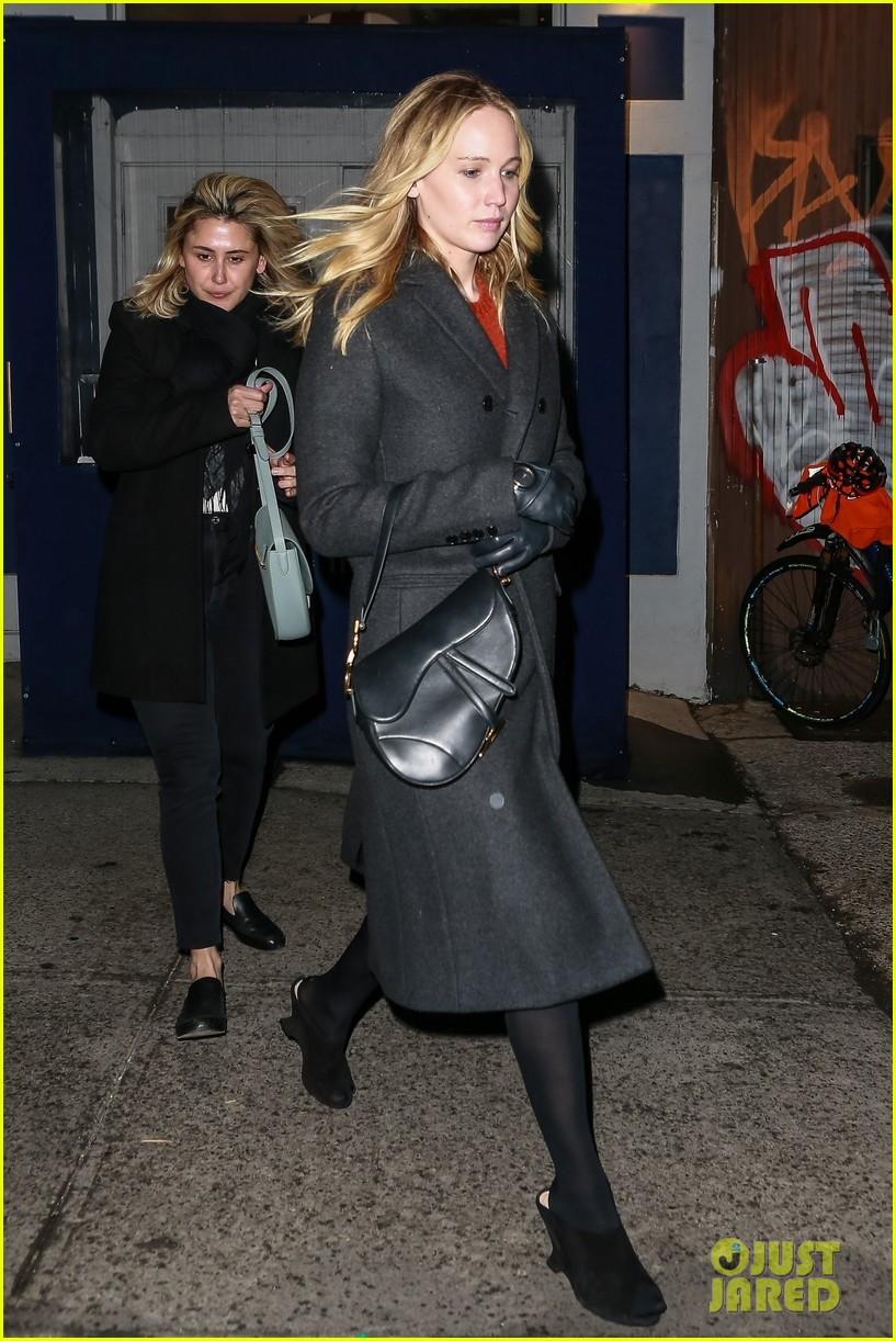 jennifer lawrence covers up engagement ring while out in nyc 054225506