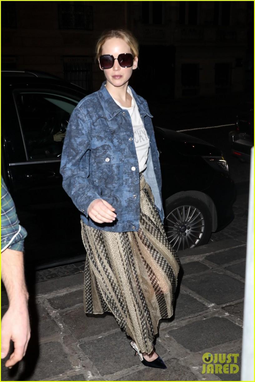 jennifer lawrence dons printed jacket and skirt during paris fashion week 034249022
