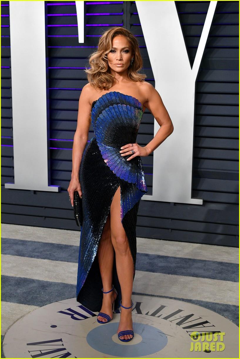 Jennifer Lopez Stuns In Wavy Blue Dress At Vanity Fair S