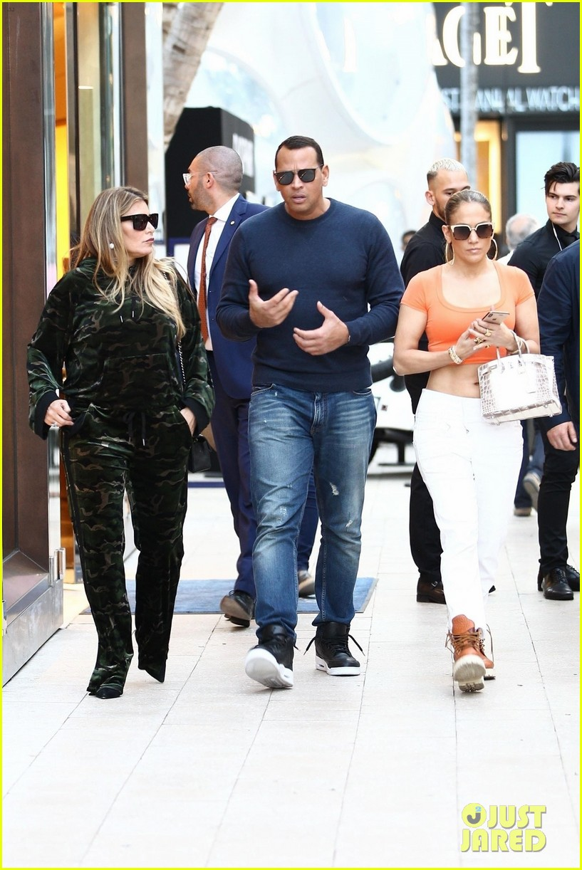 jennifer lopez flaunts her abs while shopping with alex rodriguez 10