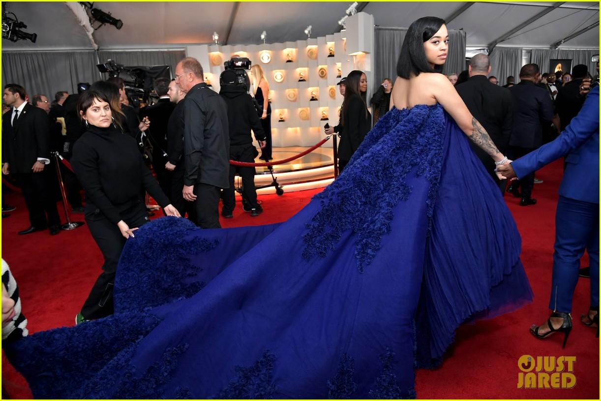 ella mai stuns in navy gown for grammys 054236202
