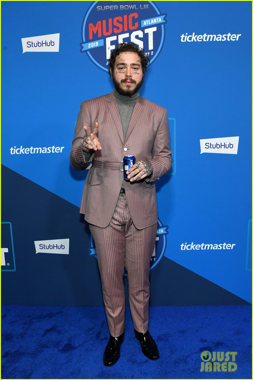 Post Malone Rocks Two Cool Looks At Bud Light S Super Bowl