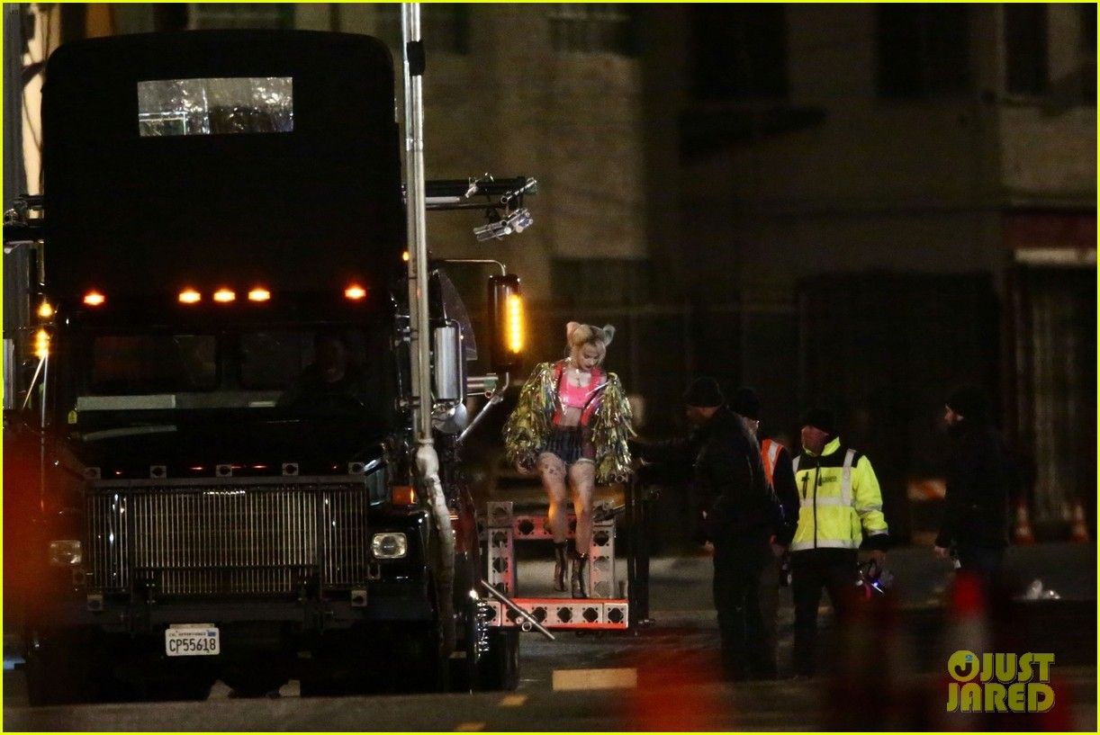 margot robbie jumps out of truck for birds of prey 11