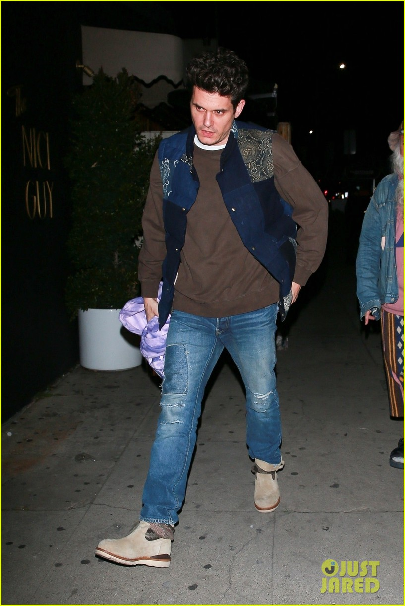 john mayer steps out on night of i guess i just feel like release 024242886