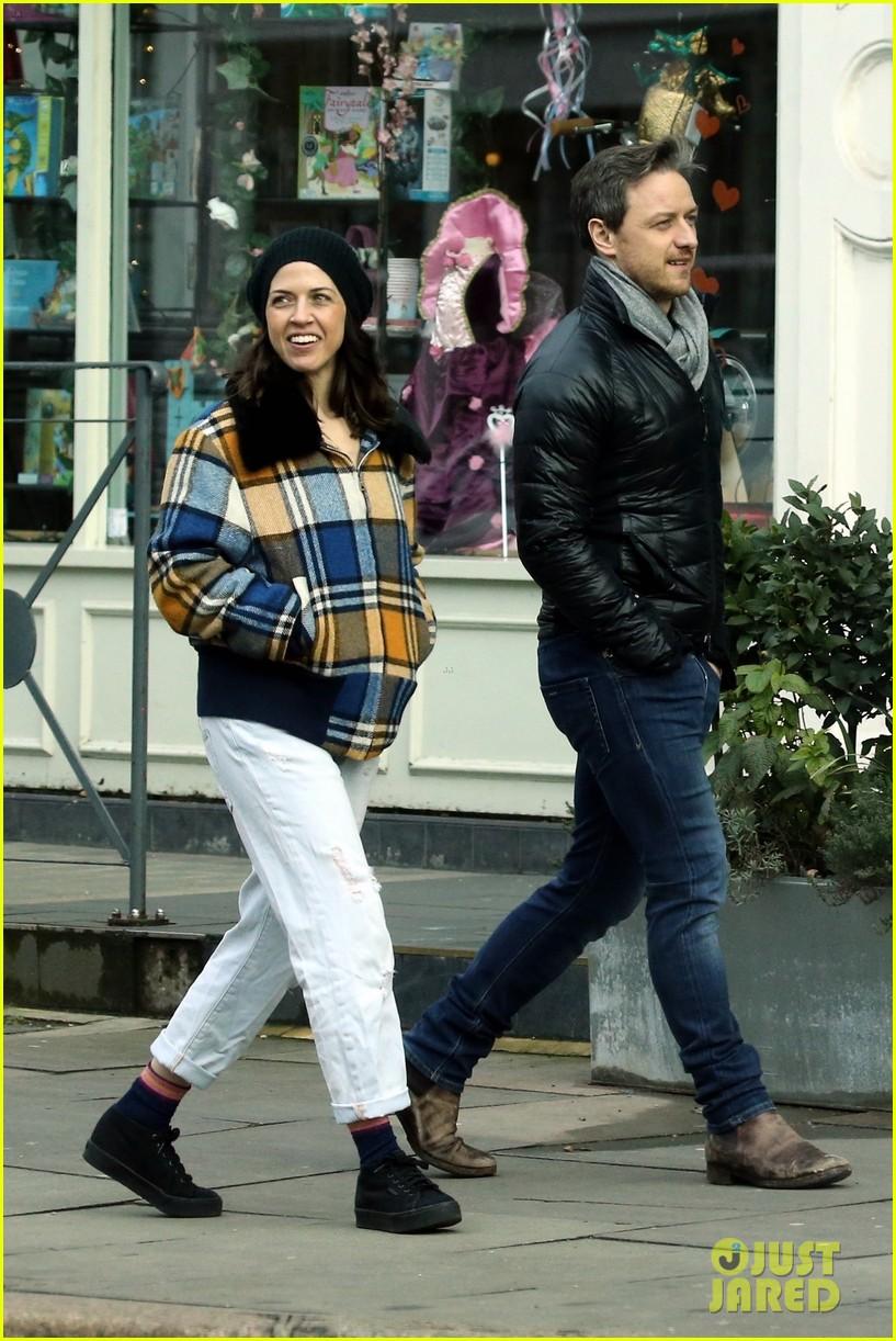 James McAvoy & Girlfriend Lisa Liberati Pack on PDA in ...