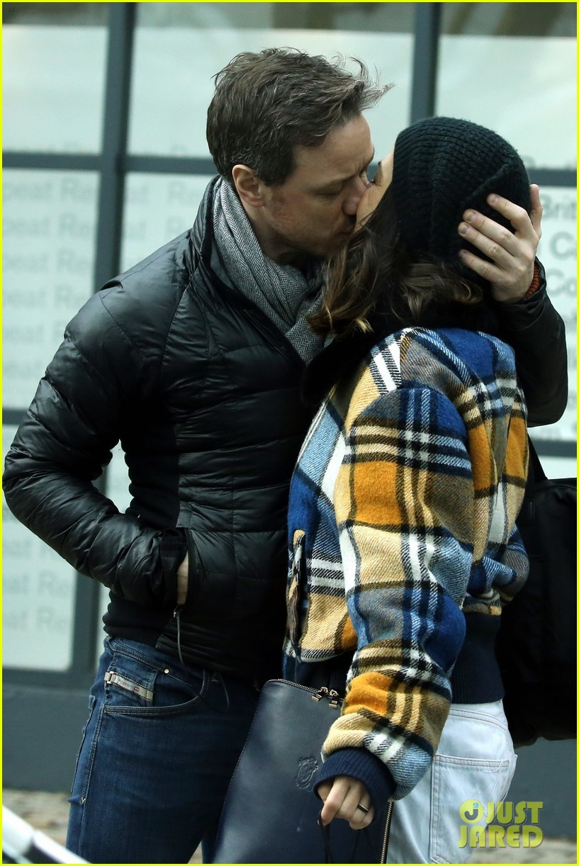 James Mcavoy Amp Girlfriend Lisa Liberati Pack On Pda In