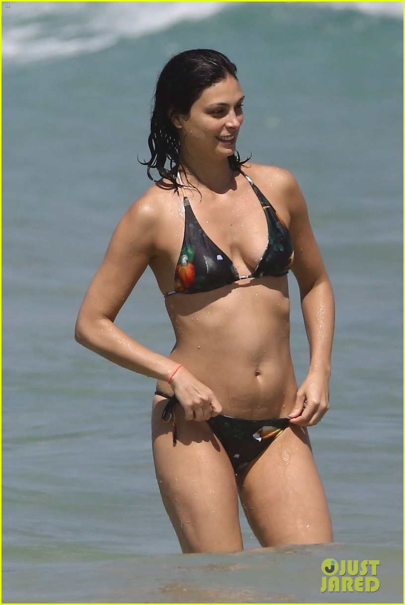 Morena Baccarin Puts Her Fit Bikini Body On Display On
