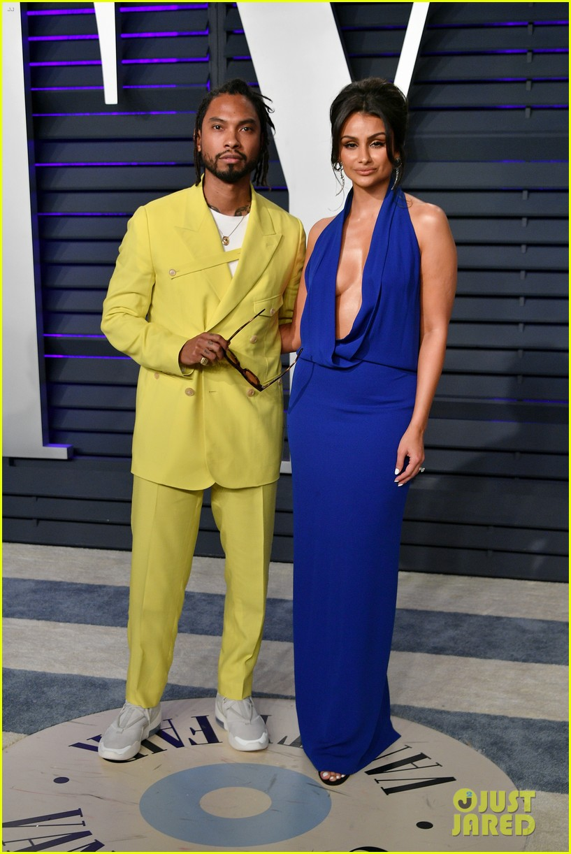 kacey musgraves and jennifer hudson switch their looks for vanity fairs oscars 2019 party 014247311