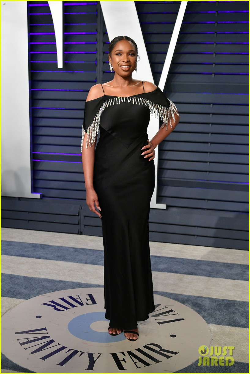 kacey musgraves and jennifer hudson switch their looks for vanity fairs oscars 2019 party 074247317