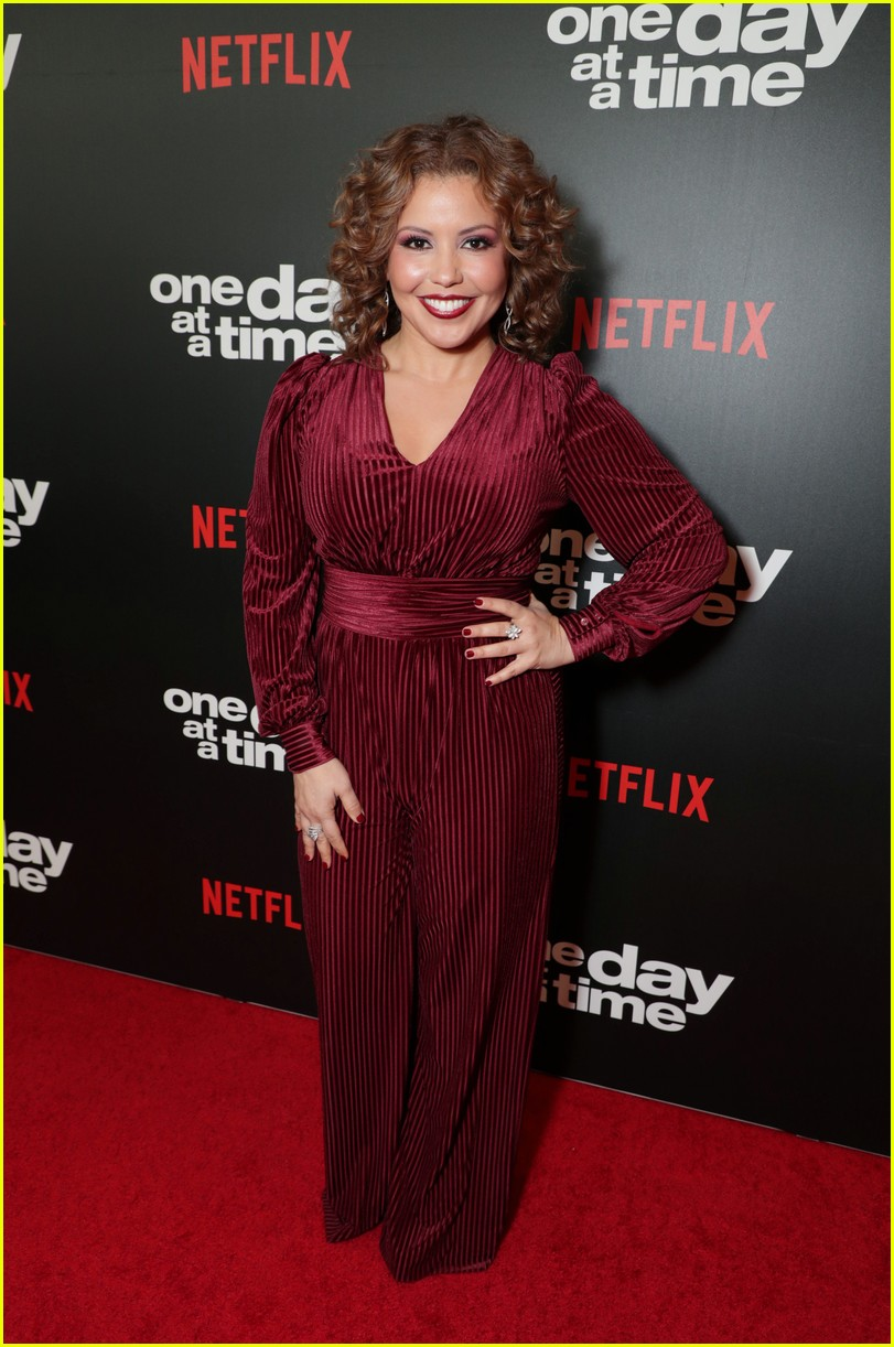 netflixs one day at a time cast premieres season 3 in la 014226174