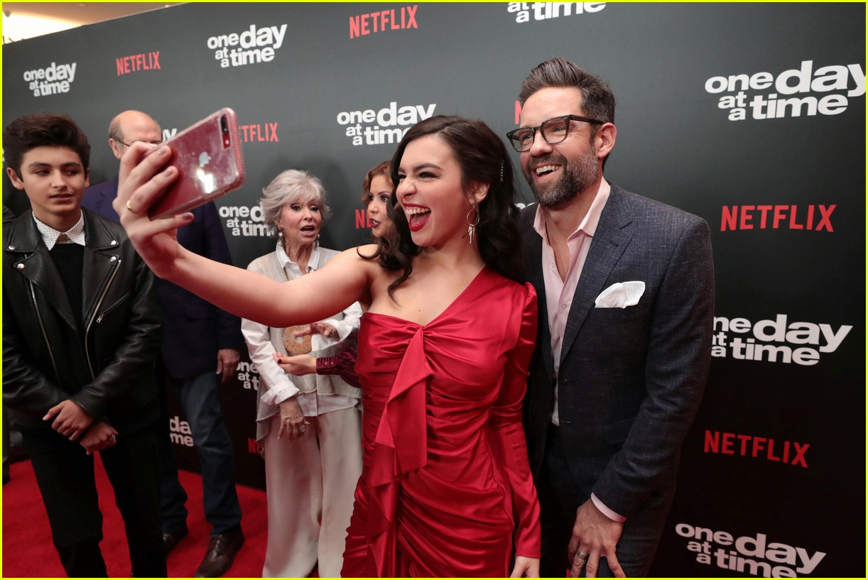 netflixs one day at a time cast premieres season 3 in la 034226176