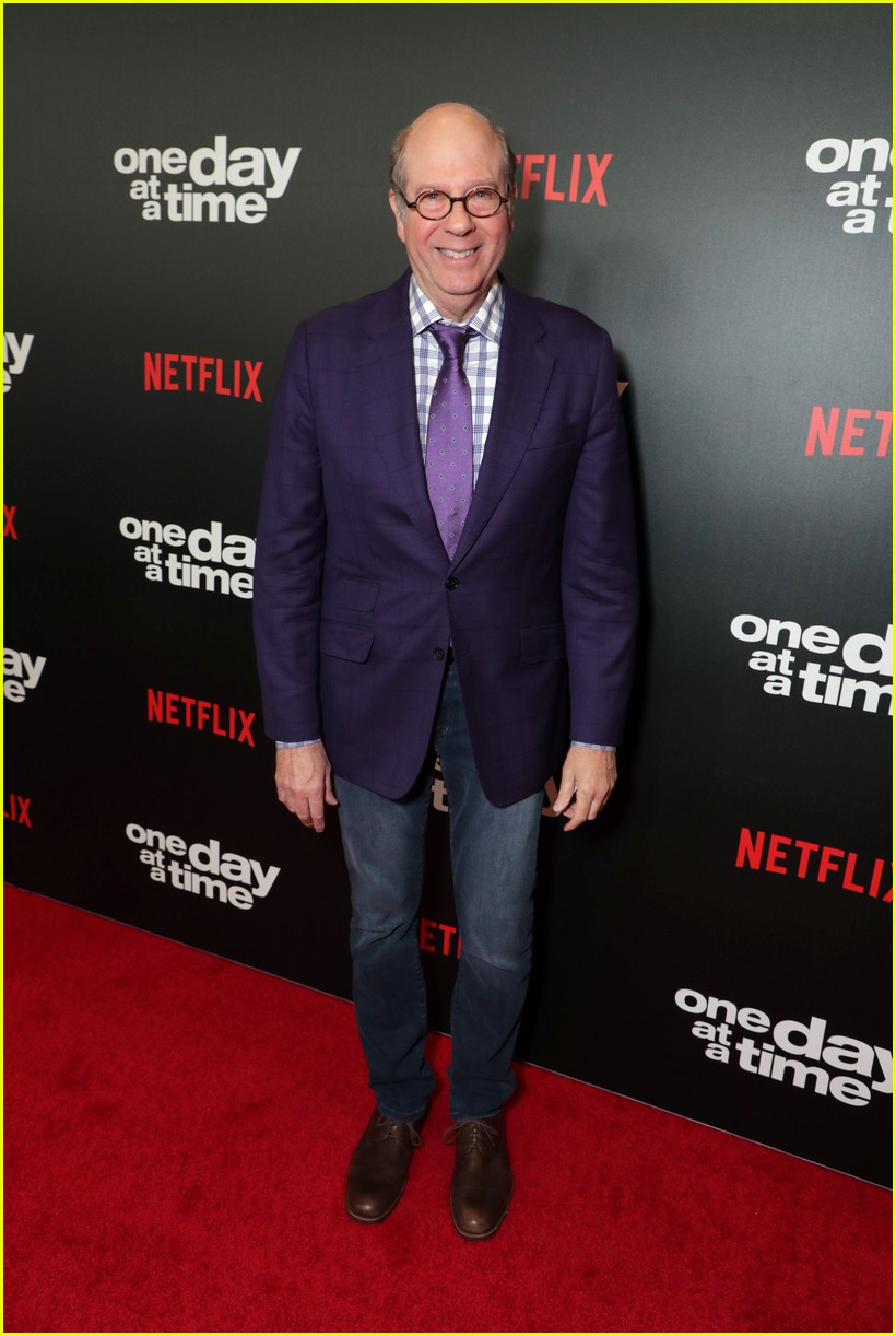 netflixs one day at a time cast premieres season 3 in la 044226177