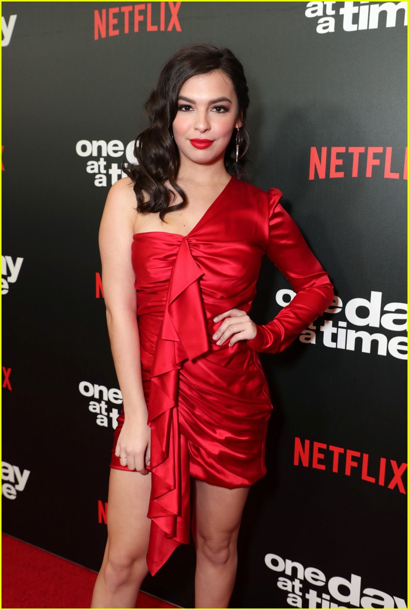 netflixs one day at a time cast premieres season 3 in la 114226184