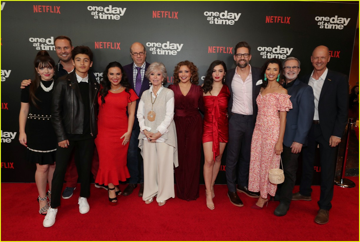 netflixs one day at a time cast premieres season 3 in la 164226189