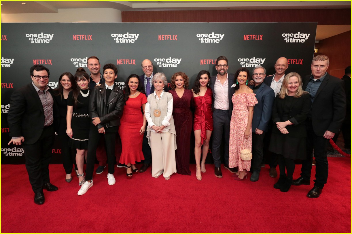 netflixs one day at a time cast premieres season 3 in la 174226190