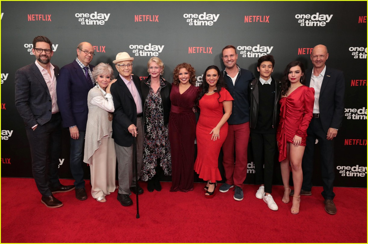 netflixs one day at a time cast premieres season 3 in la 254226198