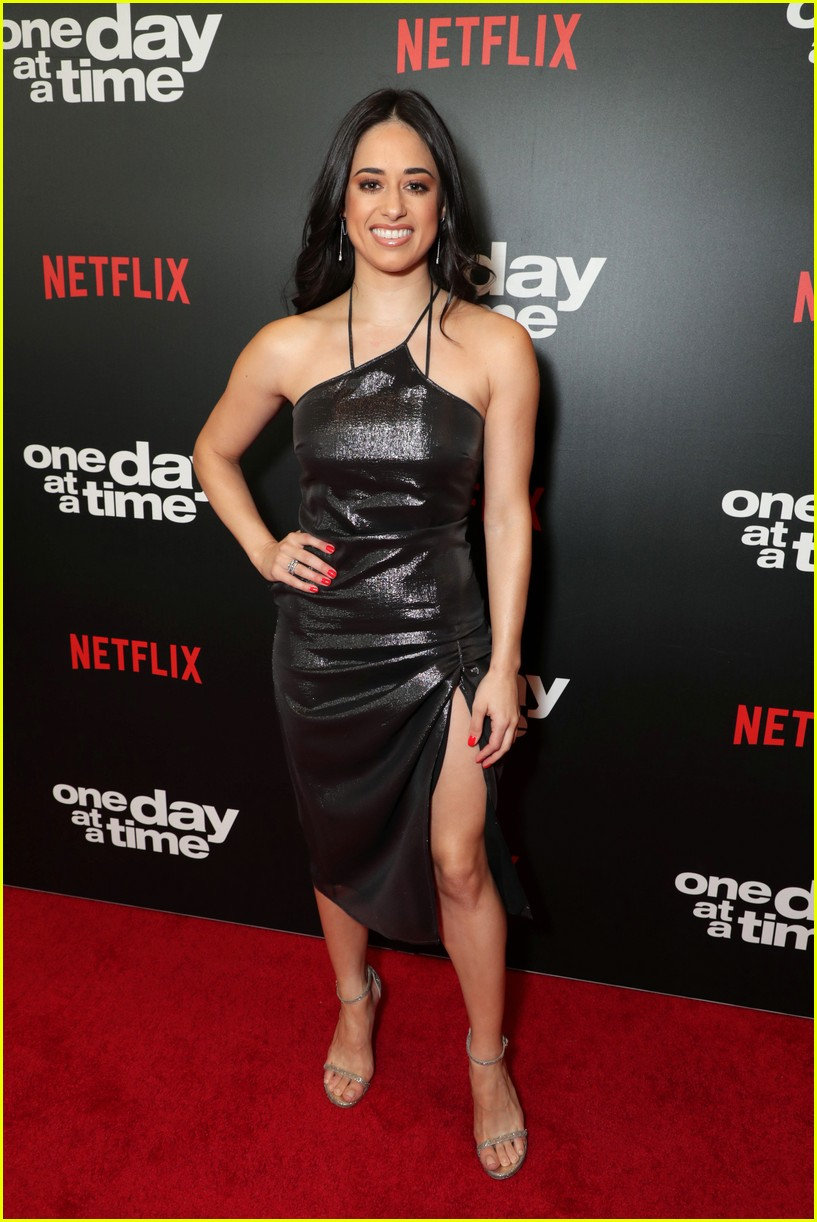 netflixs one day at a time cast premieres season 3 in la 284226201