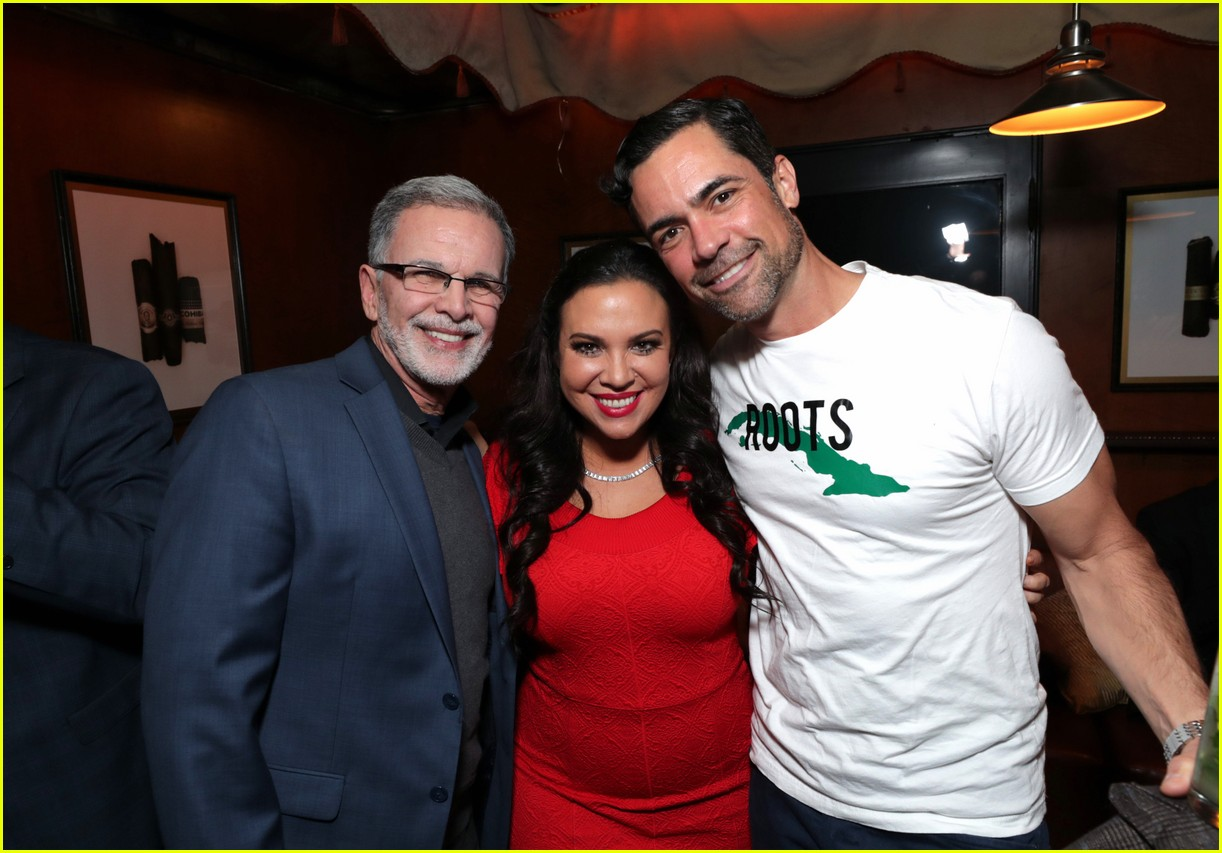 netflixs one day at a time cast premieres season 3 in la 424226215