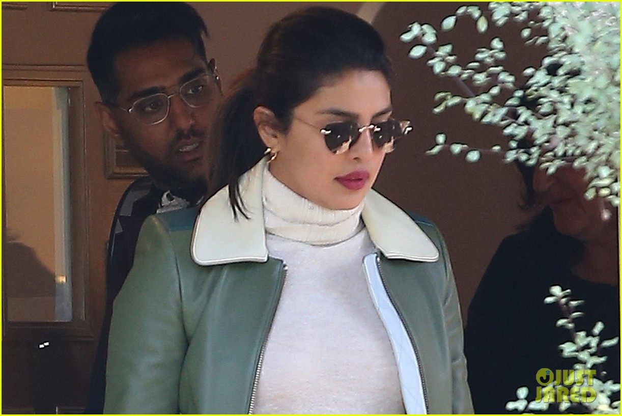 priyanka chopra visits a friend in LA 03