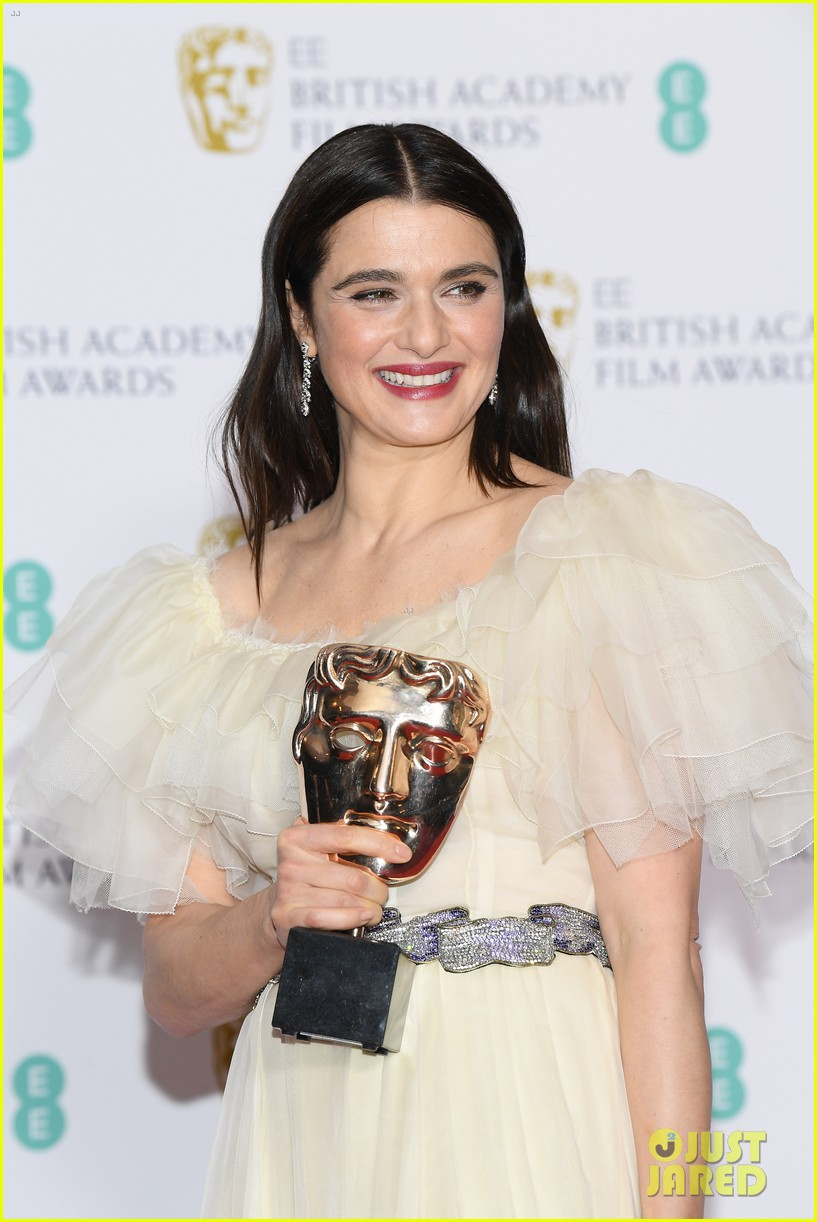 rachel weisz amp olivia colman win big at baftas 2019