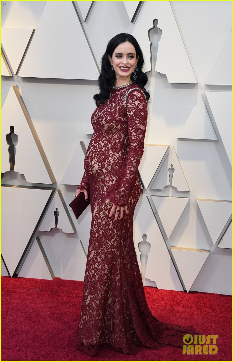 d6a567b3cb432 Krysten Ritter Is Pregnant, Reveals Baby Bump on Oscars 2019 Red Carpet!
