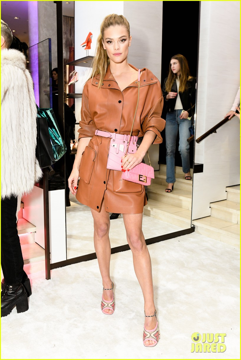 emma roberts amanda seyfried step out for fendi event in nyc 02