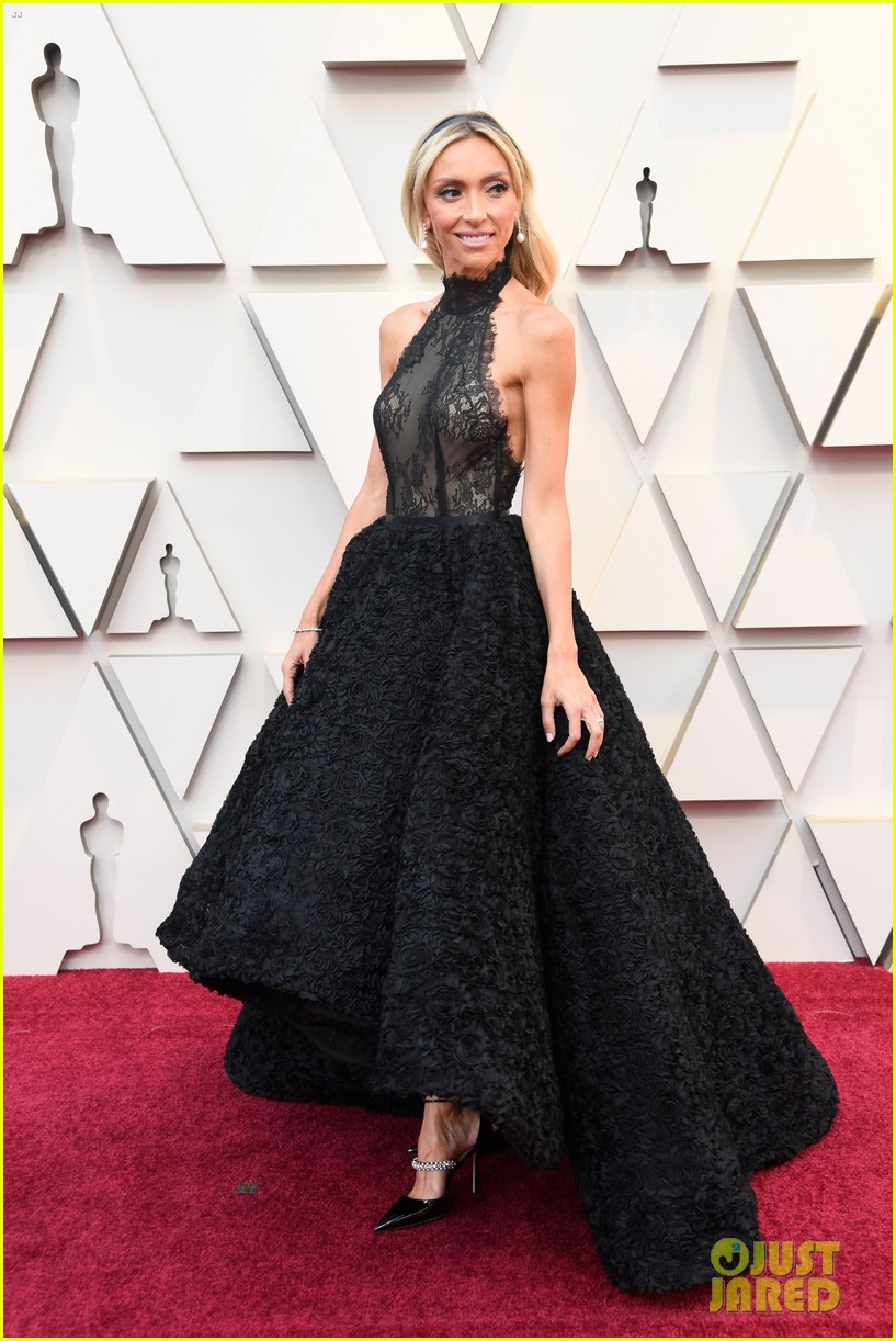 Ryan seacrest sports facial hair on oscars 2019 red carpet with giuliana rancic photo 4244774 - Oscars red carpet coverage ...