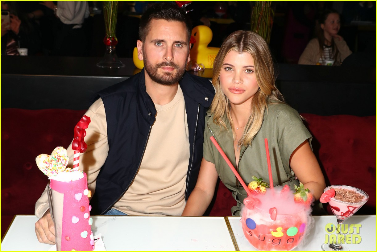 scott disick sofia richie celebrate valentines day together 02