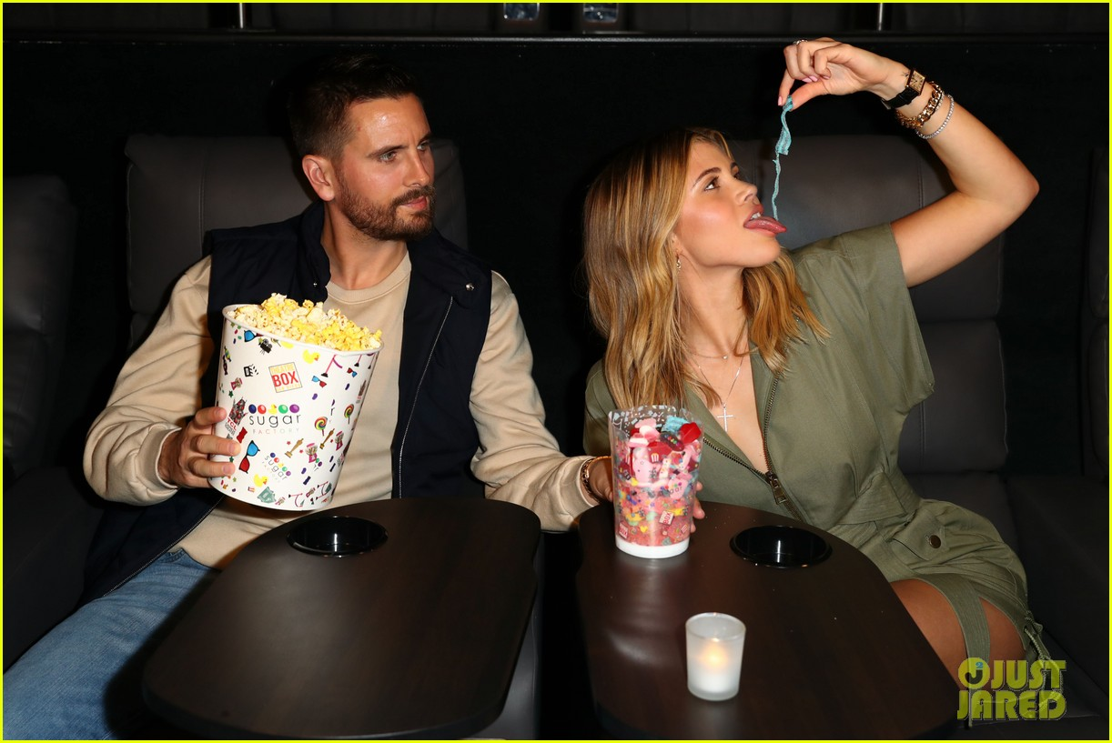 scott disick sofia richie celebrate valentines day together 04