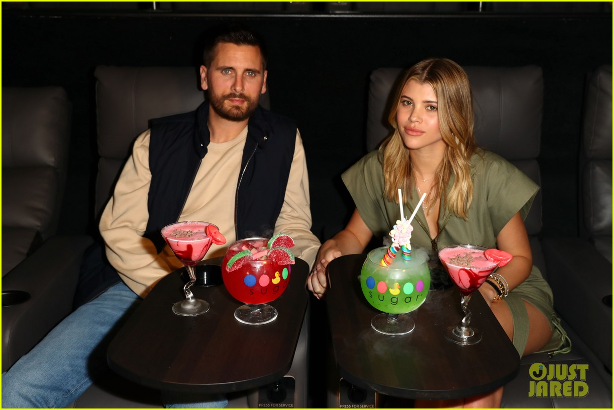 scott disick sofia richie celebrate valentines day together 08