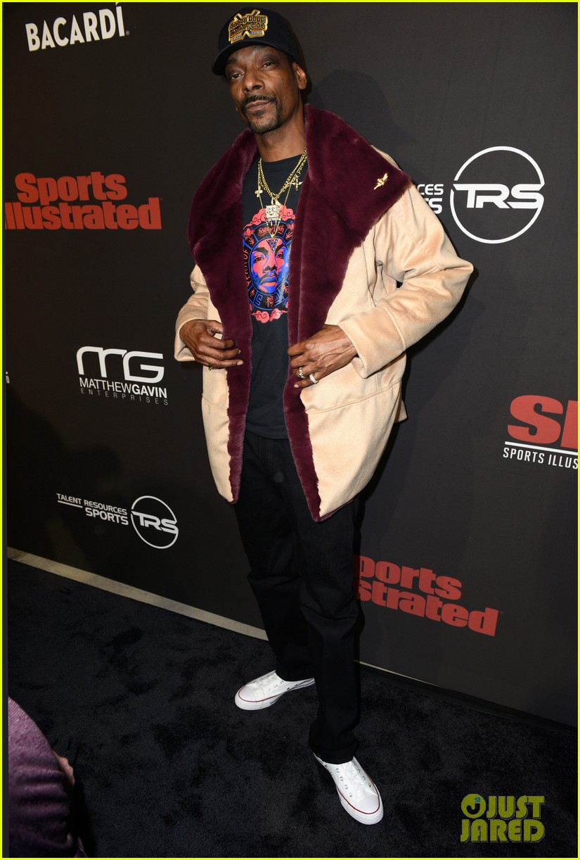 snoop dogg djs sports illustrated super bowl weekend party 024222515