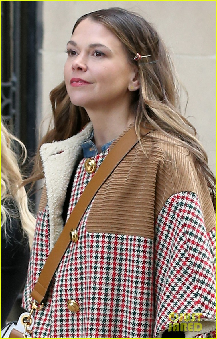 hilary duff sutton foster step out filming younger 024249067