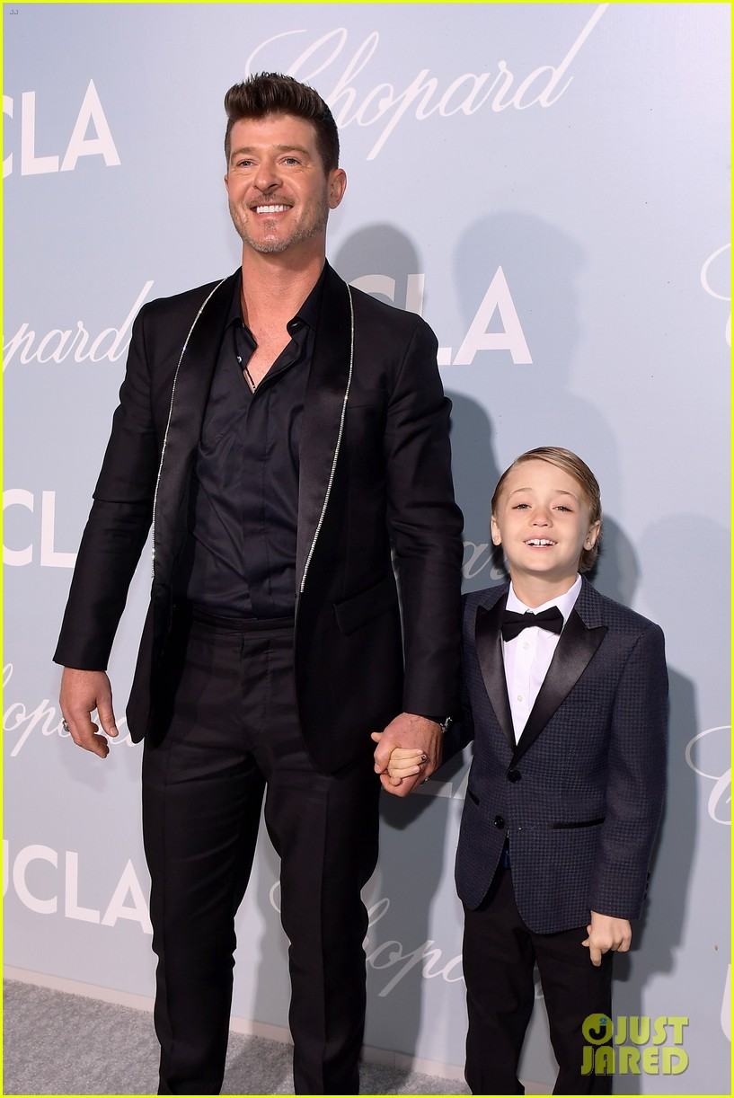robin thicke brings julian to hollywood for science gala 024242644
