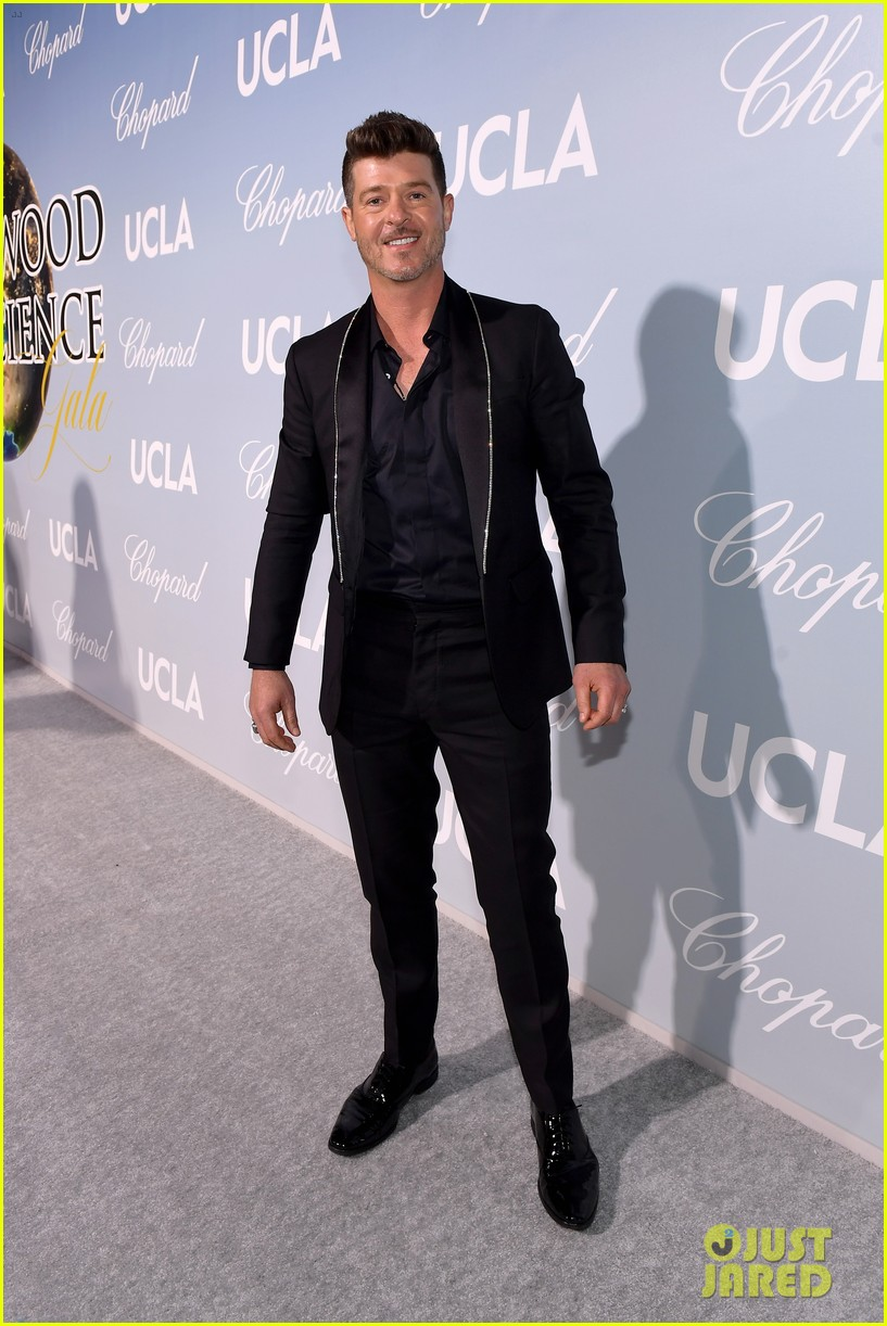 robin thicke brings julian to hollywood for science gala 054242647