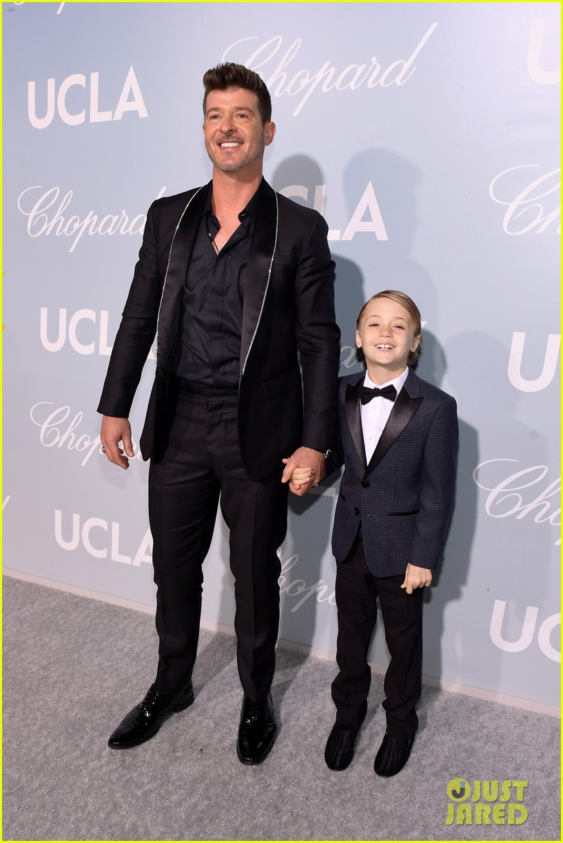 robin thicke brings julian to hollywood for science gala 074242649