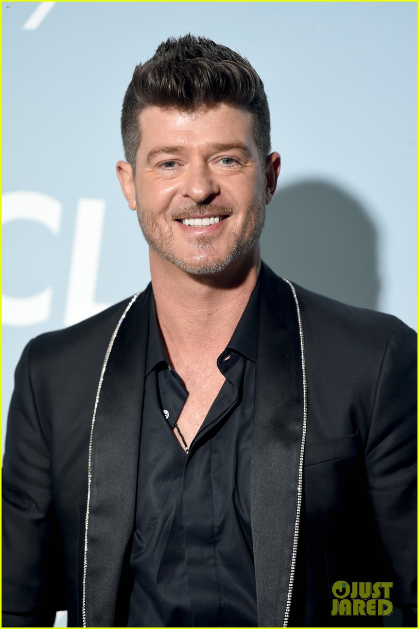robin thicke brings julian to hollywood for science gala 114242653