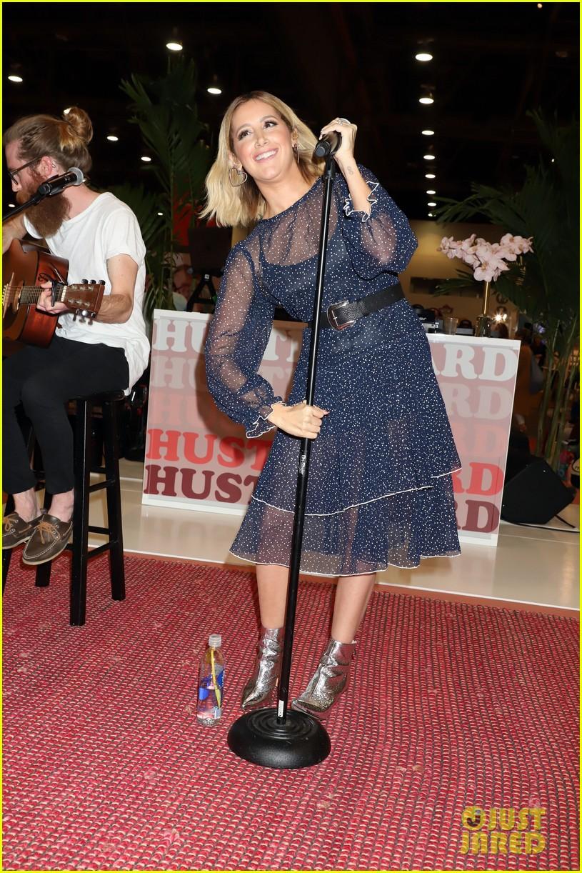 ashley tisdale vegas performance event 05