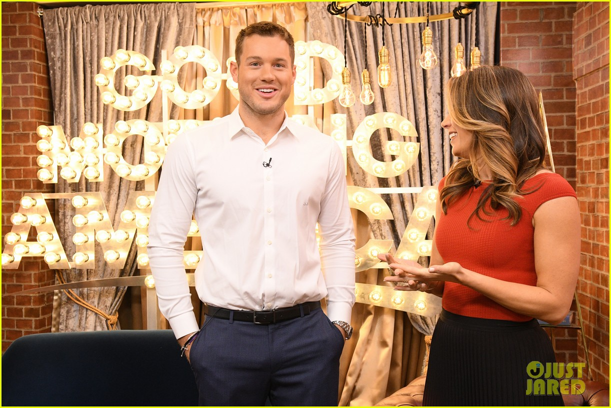 colton underwood former bachelors surprise fans at viewing party 044240754