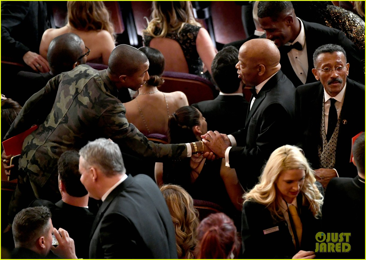 Pharrell Williams Takes the Stage in Camo-Print at Oscars ...