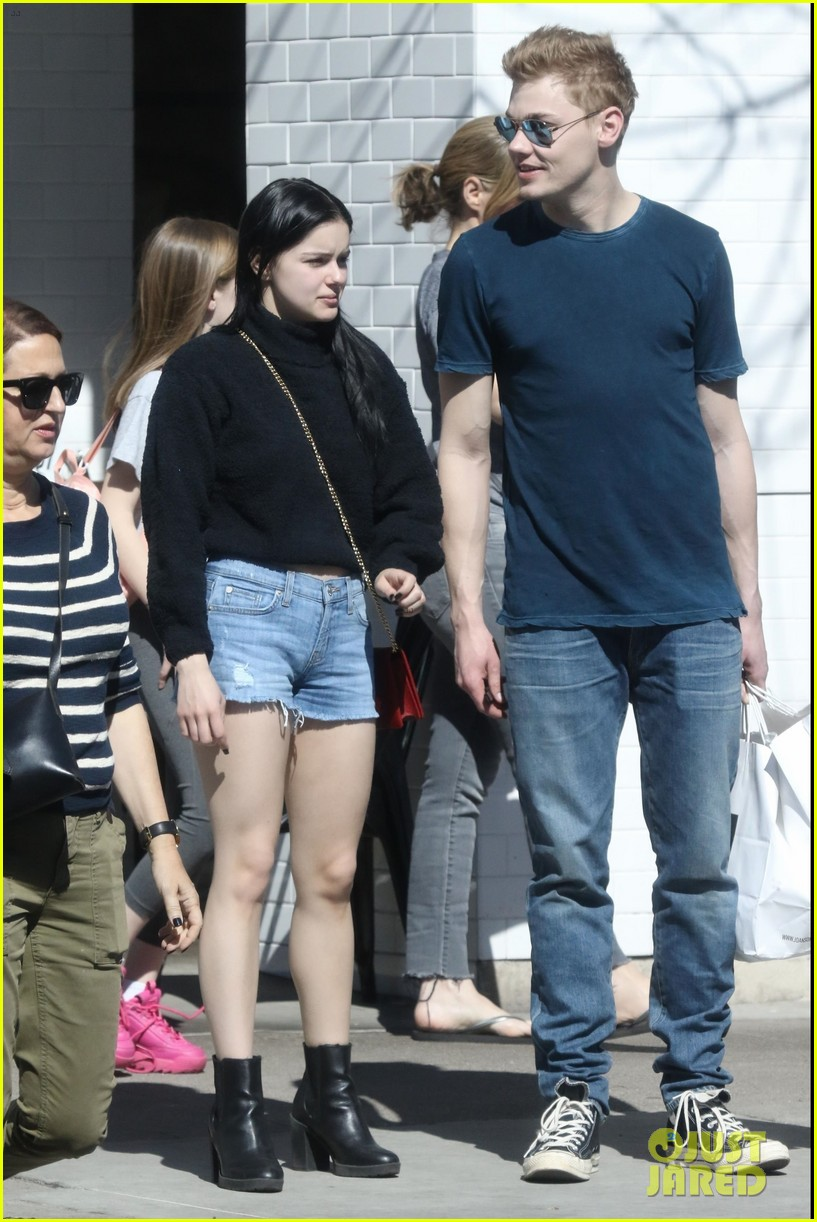 ariel winter does a happy dance after lunch date 014258247