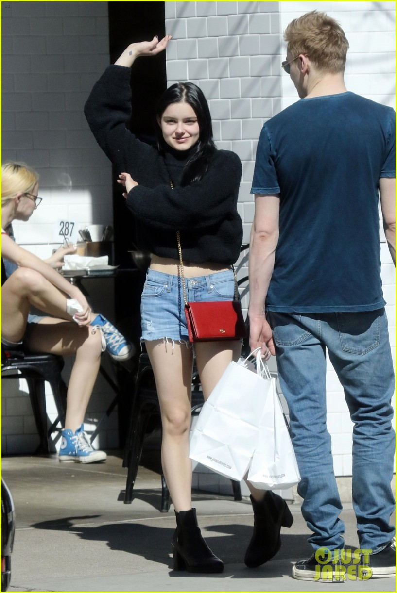 ariel winter does a happy dance after lunch date 054258251