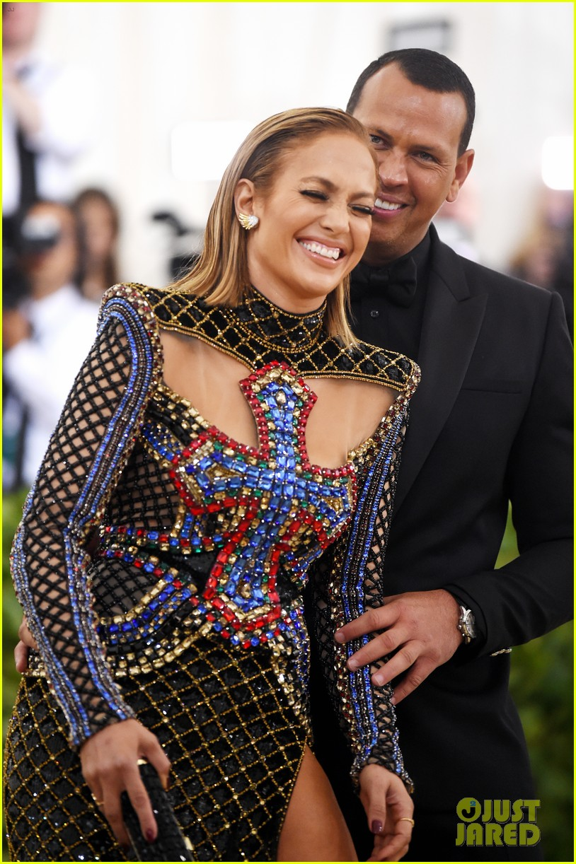 Jennifer Lopez Amp Alex Rodriguez Are Engaged See Her Ring