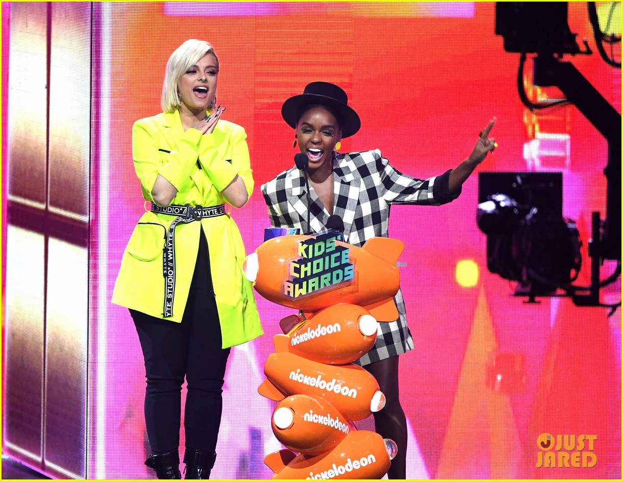 bebe rexha sports neon outfit for kcas 014261627