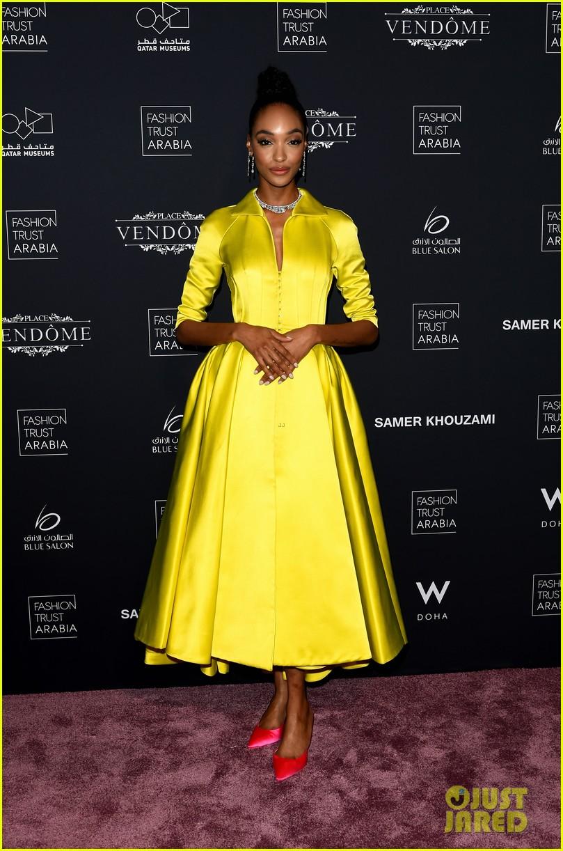 doha fashion trust prize in qatar 08