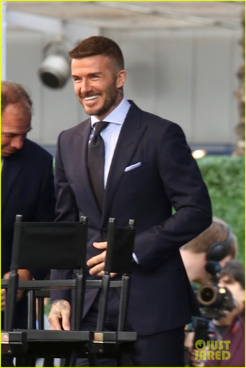 david beckham victoria beckham unveiling of his statue 01